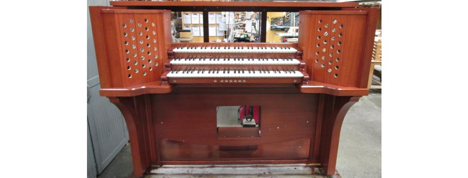 Consoles & Parts - Organ Supply